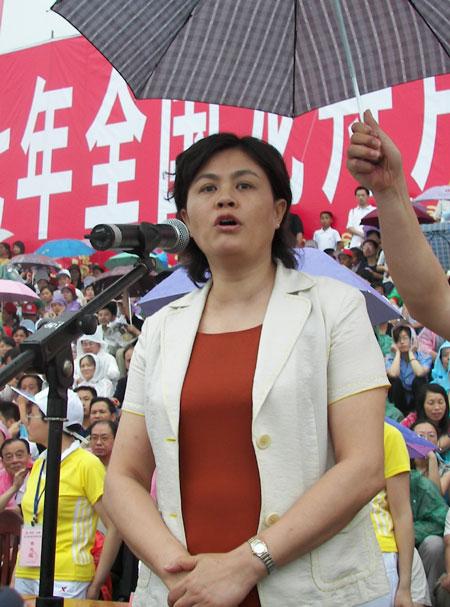 [组图]湖南省副省长甘霖致全国传统龙舟赛开幕