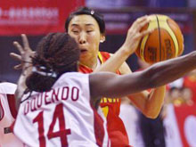女篮热身赛中国再胜古巴队