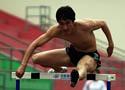 [组图]刘翔回国后首跨12栏 右腿肌肉疼仍有影响