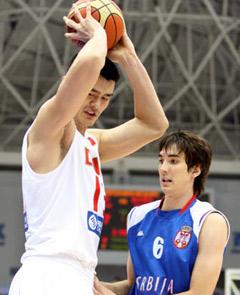 姚明复出首场 中国男篮胜塞尔维亚