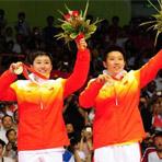 [组图]-北京奥运羽毛球赛 于洋/杜婧夺女双金牌