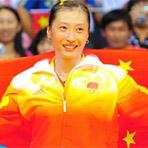 [组图]四年后张宁再夺女单冠军 身披国旗流泪