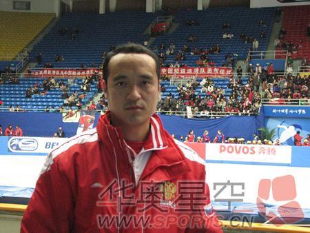 他目前是俄罗斯短道队主教练
