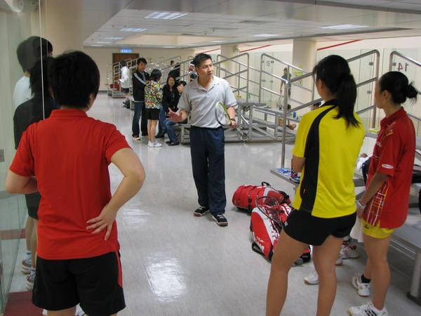 [组图]--备战09年国际比赛 国家壁球队赴香港