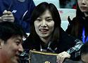 [组图]-中国羽球公开赛 谢杏芳现场为男友加油