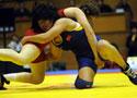 图文-中国夺女子摔跤世界杯冠军 领奖台庆祝胜利