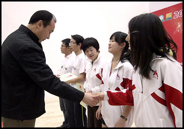 壁球团体锦标赛落幕 颁奖仪式在汇金壁球馆举行