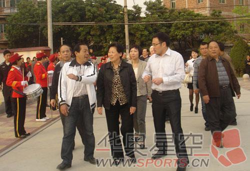 市人大副主任吕竞,市老体协主席林大穆,常务副主席刘佳景,刘宗森及市