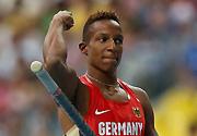 德国选手拉斐尔夺得世锦赛男子撑杆跳高冠军