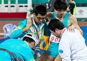 [组图]-十二运会男子撑杆跳 山东队薛长锐受伤