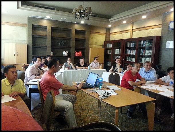 裁判员培训班在北京东湖体育俱乐部壁球馆举行