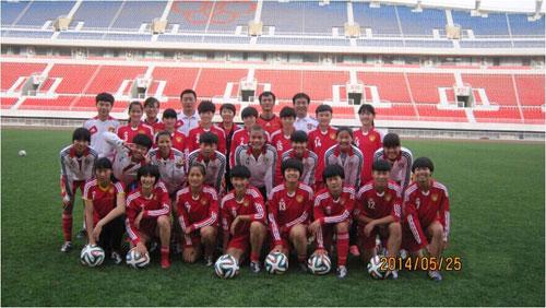 最终这只女足亚少队在2005韩国女足亚少赛中获得了
