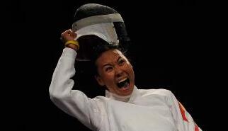 [视频]-击剑世锦赛女重摘银牌