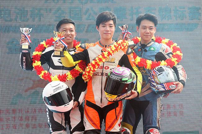 [組圖]-全國公路摩托車錦標賽揭幕戰 各組別頒獎