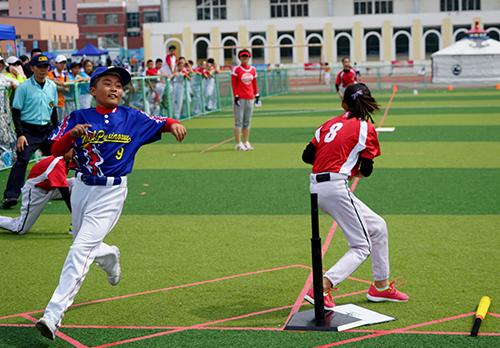 2015规模软式棒垒球夏令营暨锦标赛全国空前幼儿园轮滑兴趣班通知开班图片