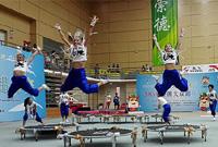 全国大众蹦床赛首次举办 百余小朋友参赛