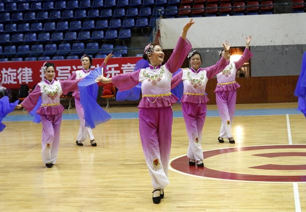 内江市举办2016年老年人健身腰鼓、秧歌比赛