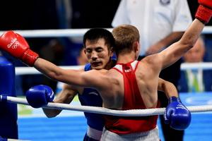 男子64公斤级:胡谦逊负俄罗斯选手