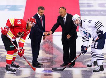刘鹏开球大陆冰球联赛 昆仑鸿星队取得两连胜