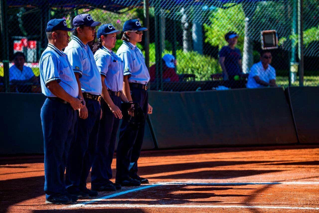 国际棒垒球联合会授予7名中国裁判国际级称号