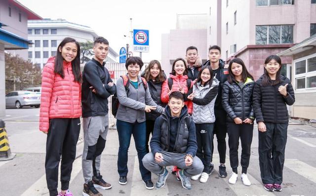 中国短跑队首批队员赴美 韦永丽:99天后再见!