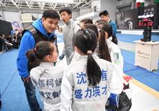 叶冲与俱乐部联赛联赛小剑客交流