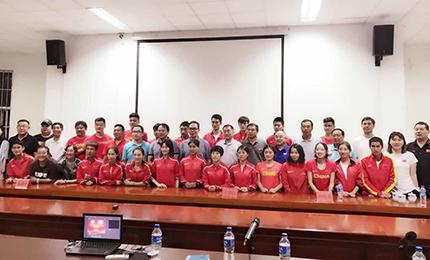 蔡振华赴云南看望正在备战亚运会的中国田径队