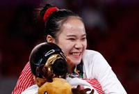 中国包揽亚运女子高低杠金银牌
